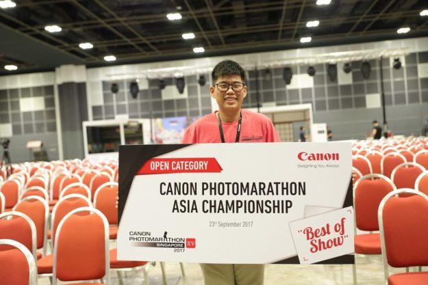 นายจิรวัชร สายวุฒินนท์ นักเรียนชั้นมัธยมศึกษาปีที่ 6 ชนะคู่แข่งและคว้ารางวัลสูงสุด คือ Best of Show  Canon PhotoMarathon ครั้งที่ 15 ที่ประเทศสิงคโปร์