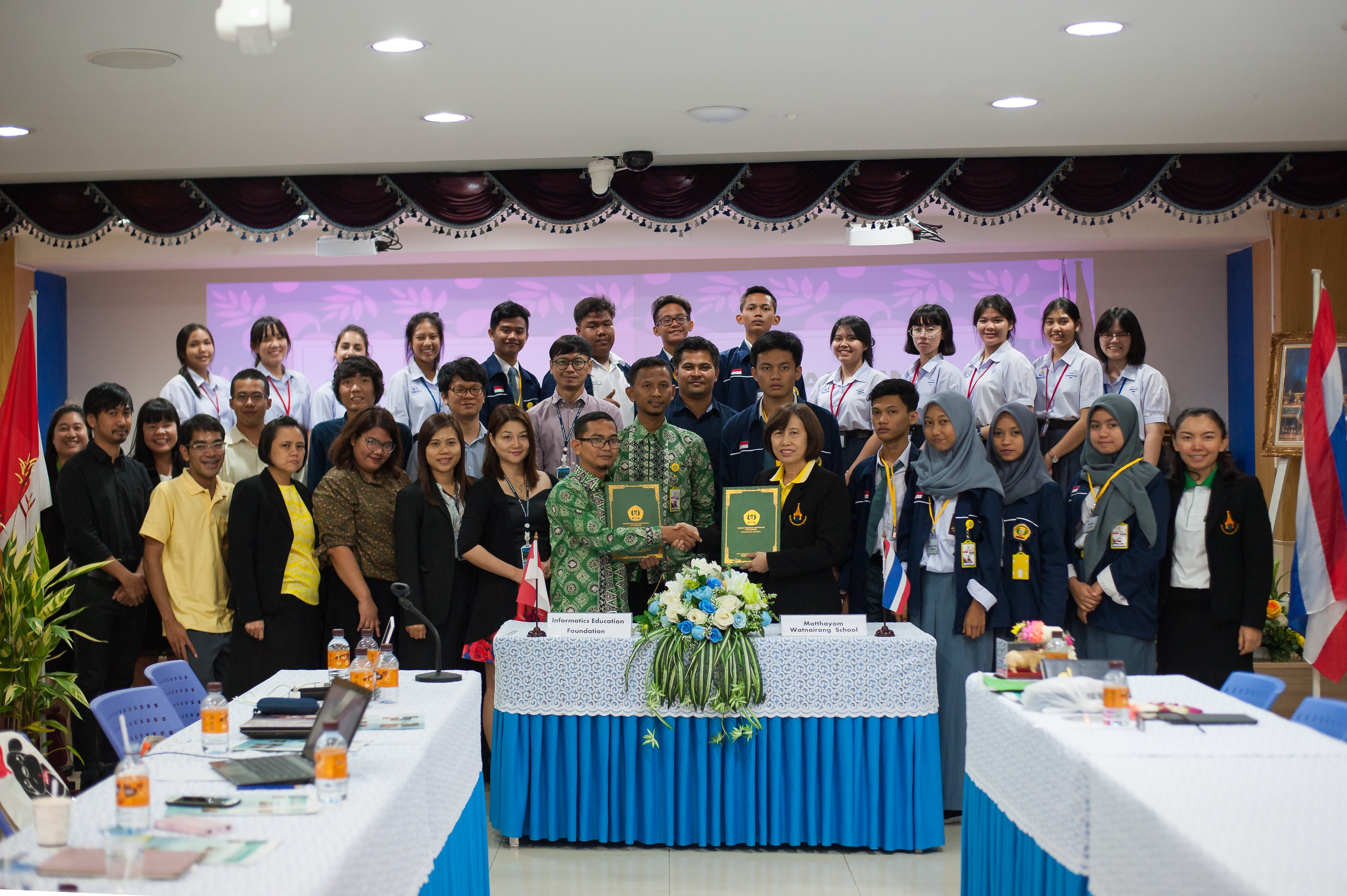 โรงเรียนมัธยมวัดนายโรงทำบันทึกข้อตกลงร่วมกับ Yayasan Pendidikan Informatika Serang  ประเทศอินโดนีเซีย