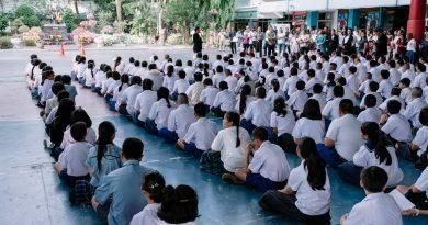 ประกาศรับสมัครนักเรียนชั้นมัธยมศึกษาปีที่ 1 ประเภท การรับนักเรียนที่มีเงื่อนไขพิเศษ ห้องเรียนปกติ (Integrated English Program: IEP) ปีการศึกษา 2562